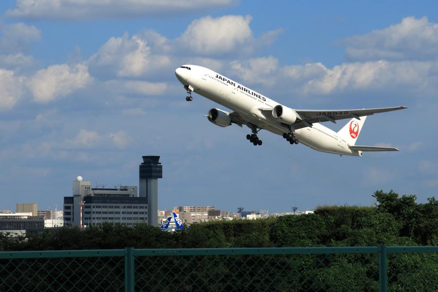 JAL B777-346 / JAL2087 (JA8942)@伊丹リサイクルセンター周辺