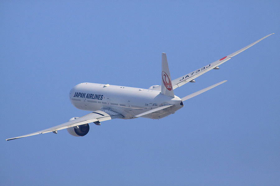JAL B777-346ER / JAL3002 (JA733J)@RWY14Rエンド・猪名川土手