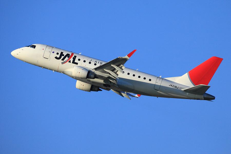 J-AIR Embraer170 / JAL2441 (JA218J)@伊丹リサイクルセンター周辺