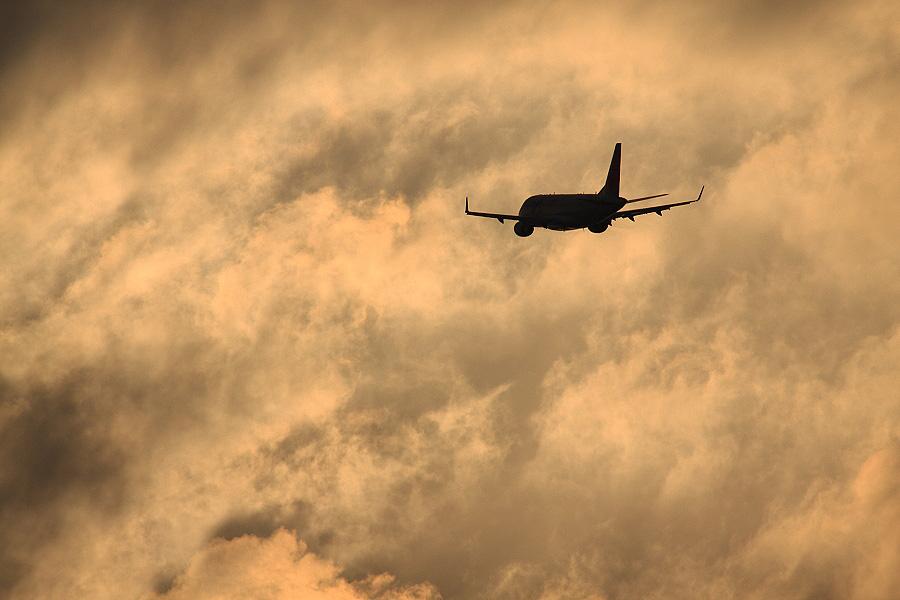 J-AIR Embraer170 / JAL2441 (JA211J)@下河原緑地展望デッキ