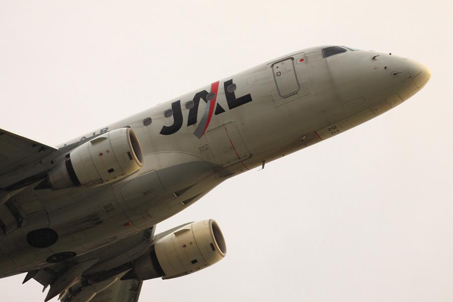 J-AIR Embraer170 / JAL2251 (JA212J)@下河原緑地展望デッキ