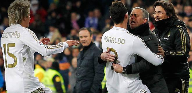 jose-mourinho-hugs-ronaldo.jpg