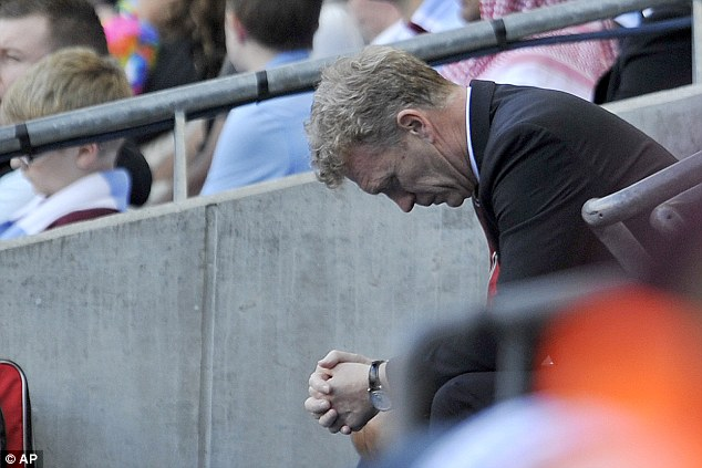 moyes_depressed.jpg