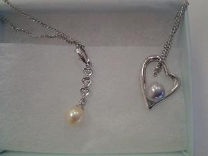 真珠のネックレス (300x225)