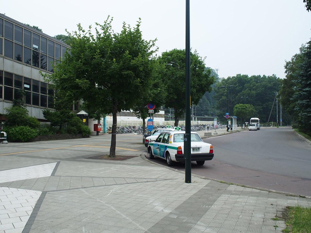 星置駅の駅前通り