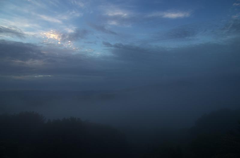 鐘の鳴る展望台 霧