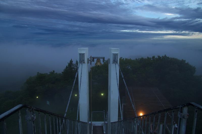 信貴生駒スカイライン 鐘の鳴る展望台 霧