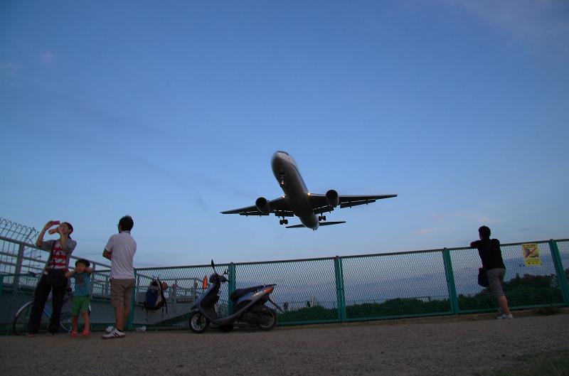 千里川 飛行機 夕景 夜景