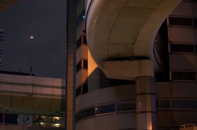 阪神高速ビル貫通