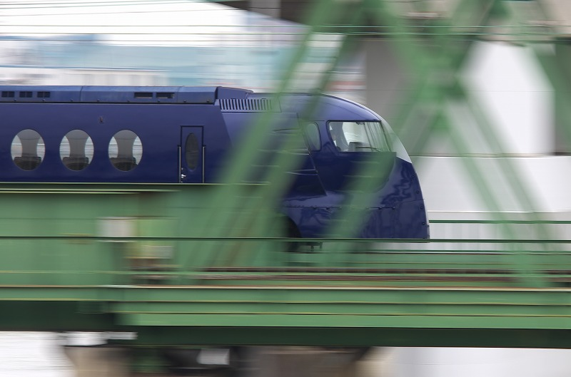 大和川 鉄橋 ラピート 青 流し撮り