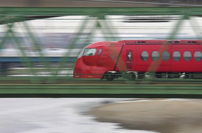 大和川 鉄橋 ラピート 赤 流し撮り