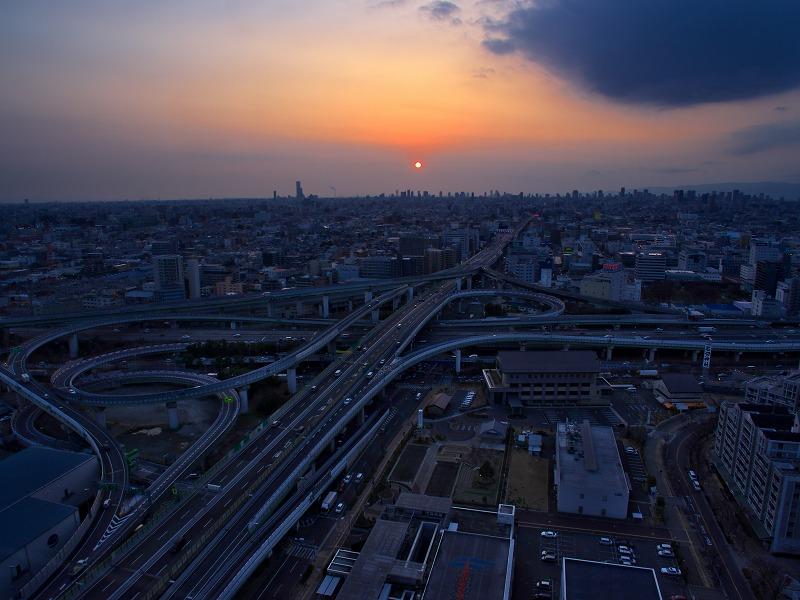東大阪市役所22F展望ロビーからの夜景
