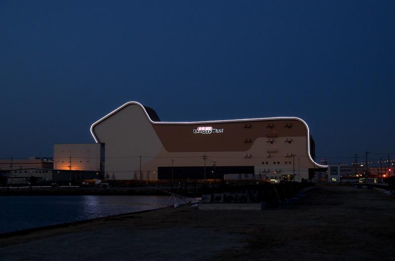 ドギーマン工場 夜景