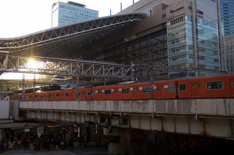 JR大阪駅 電車