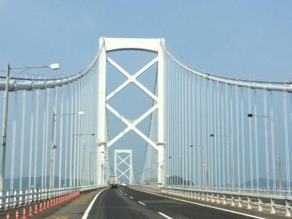 明石大橋を通って出発!