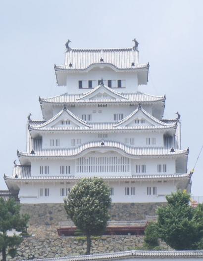 白鷺に戻った姫路城