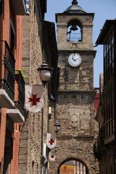 2437 Torre de Reloj