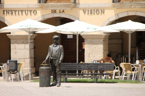 2452 Plaza del Ayuntamiento