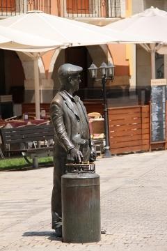 2451 Plaza del Ayuntamiento