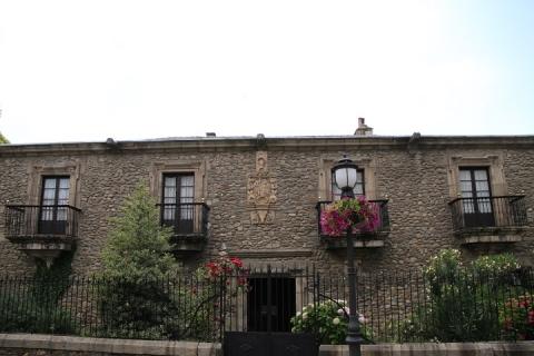 2481 Casa de los Macias