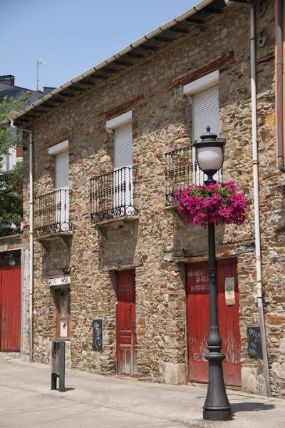 2511 Calle Jardines