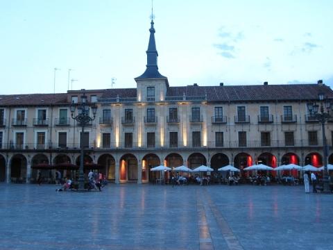 2539 Plaza Mayor