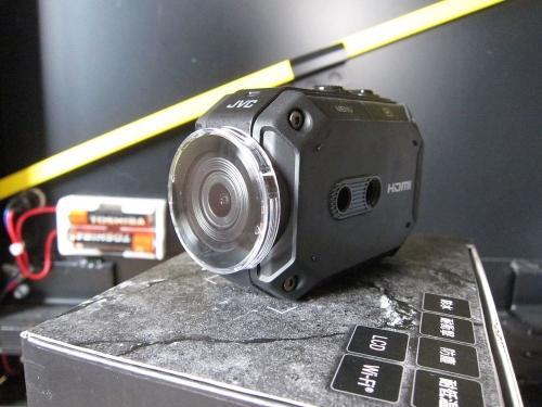 JVC ADIXXION GX-XA2 レンズカバー装着