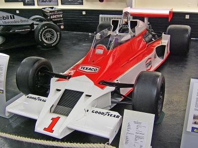 800px-McLaren_M26_Donington.jpg