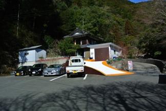 轟99滝駐車場