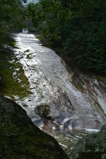 滑床渓谷15雪輪の滝左