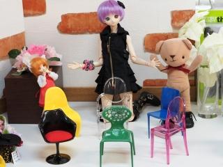 こんな椅子が置ける家に住んでみたいものです。