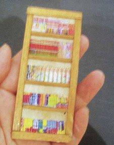 本棚です。ちょっとピンボケですm(__)m