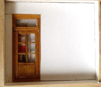 書店の奥のドア