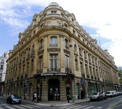674px-P1040373_Paris_IX_rue_Vignon_rue_de_Sèze_Pinacothèque_rwk