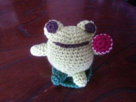 編み物カエル3