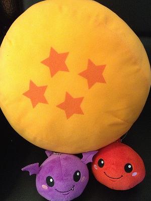 ドラゴンボールと言えば四星球。だいぶ前にとったUFOキャッチャーの景品。たまたまあったのでコラボっぽく並べてみた