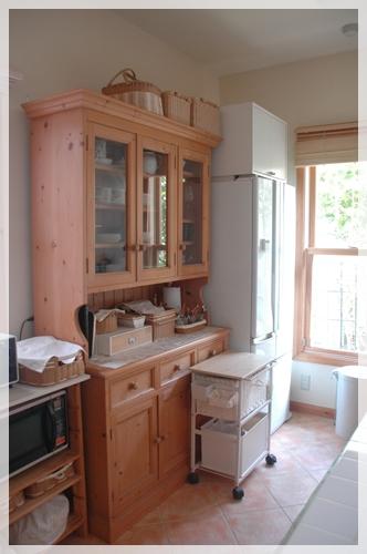 食器棚 (2)