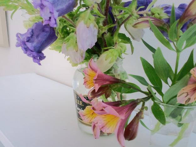 イメージ花瓶の花1