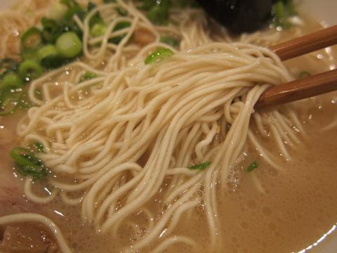 まことや.ラーメン店(麺)