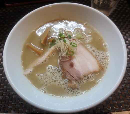 鶏白湯そば・濃厚バージョン(¥700)