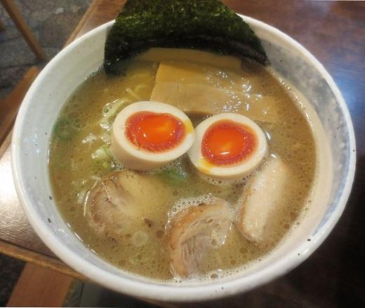 味玉そば(¥860)