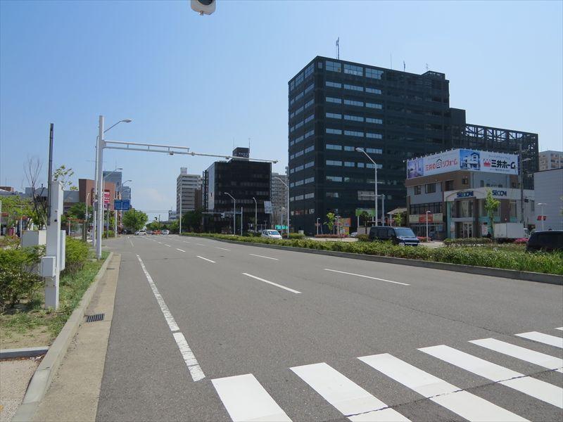 201140525027_R.jpg