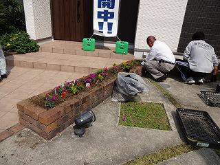 ★モデルハウスのお花植え005