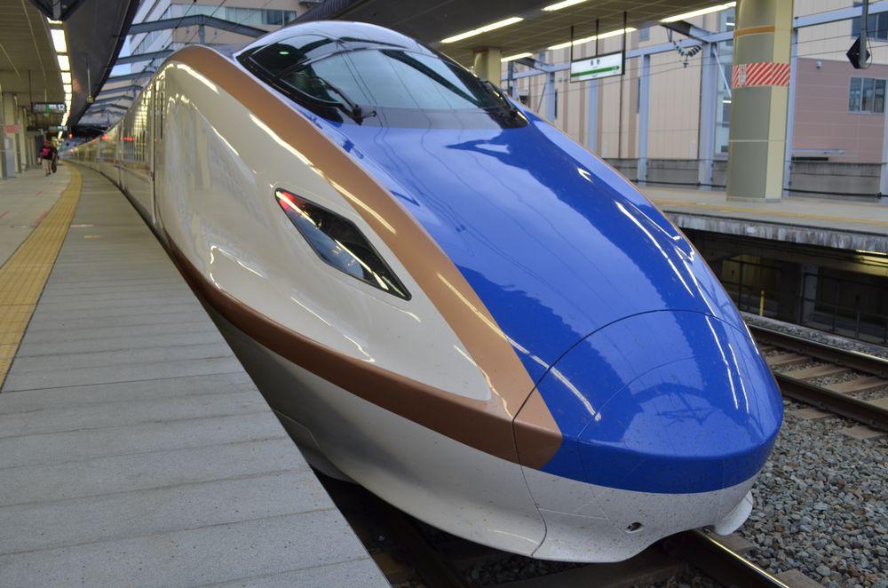 E7系長野駅