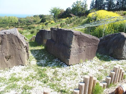 江戸城の石垣に使われた石