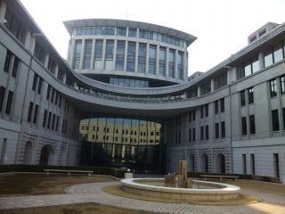 神戸税関中庭