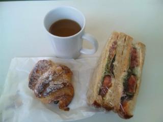 パンの昼食