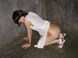 美乳美女 野外露出プレイ&放 尿プレイ ヌード画像 4
