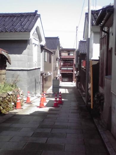西新町の小路