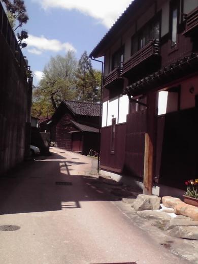 上新町の裏路地 <br />
